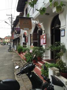 A street in Fort Kochi, Kochi. The Western influence is quite evident here